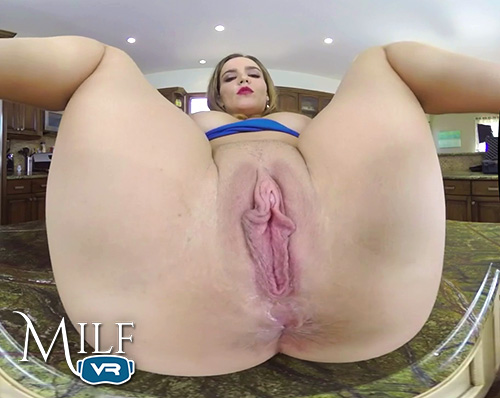 Natasha Nice MILF pussy close up in virtual reality