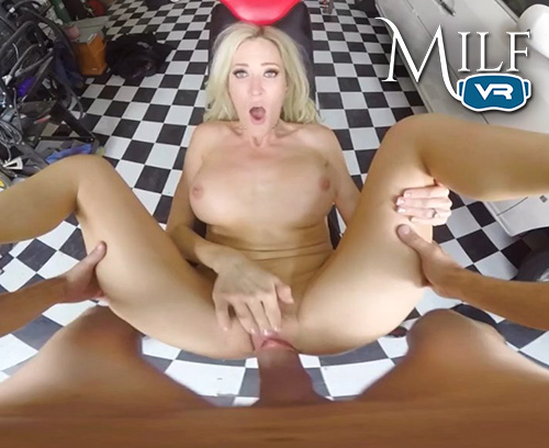 Hot blonde MILF VR sex!